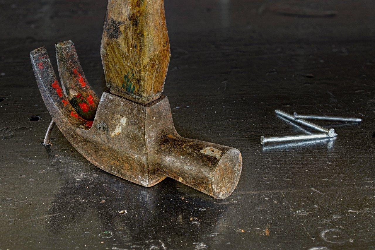 hammer-1509848_1280