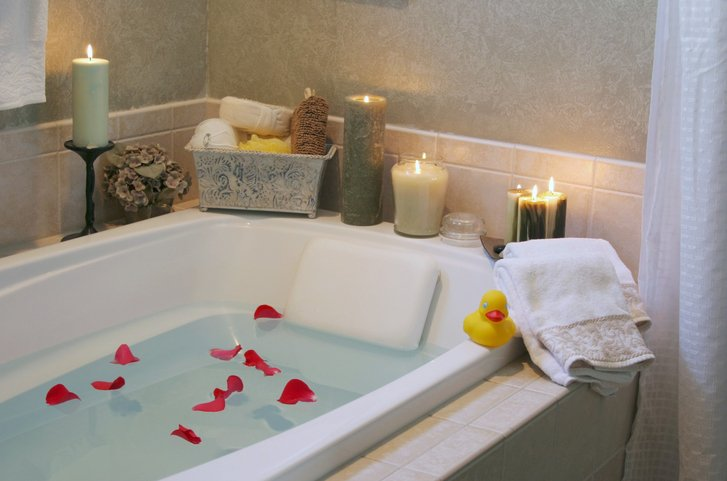 Beautiful, romantic bath with candles