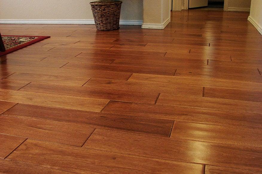wood_flooring_made_of_hickory_wood
