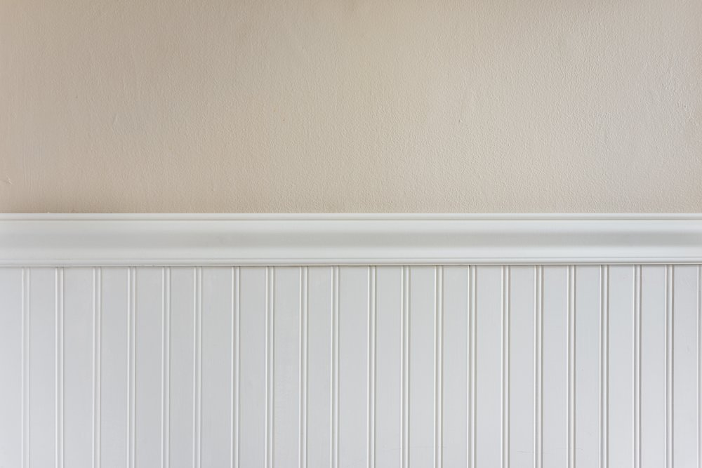 wainscoting-leftover-flooring