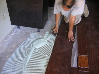 glue down installation bamboo flooring