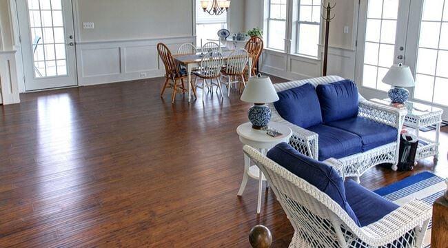 Strand Aged Bourbon Eucalyptus Hardwood Quality Floors001